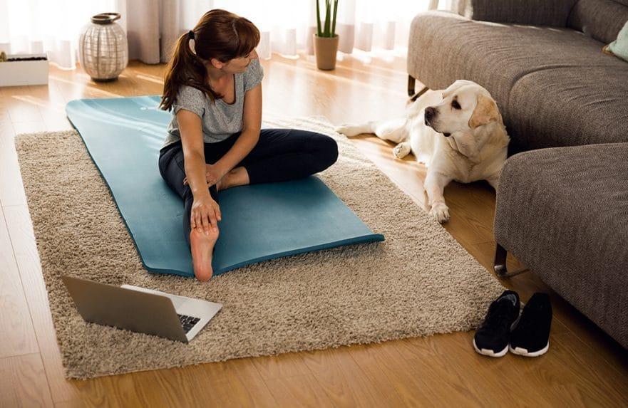 4 Tips Aktivitas Fisik Sederhana Jaga Berat Badan Saat #DiRumahAja