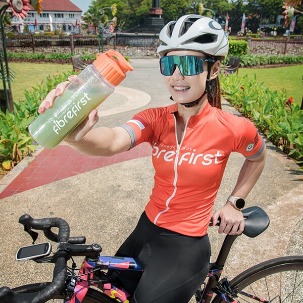FibreFirst merupakan suplemen kaya serat dan nutrisi dengan ekstrak sayuran dan buah. Menjaga kesehatan saluran pencernaan dan detoksifikasi tubuh kamu. Minuman serat terbaik sebagai suplemen kesehatan. Minuman detox harian yang melancarkan pencernaan.