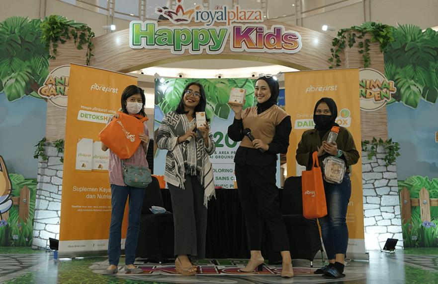 Royal Plaza dan Kenasti Putri Dukung Masyarakat Surabaya Jaga Kesehatan Pencernaan Bersama FibreFirst